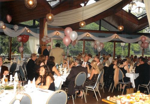 Ballonzauber ballons werbeartikel festartikel u for Saaldekoration hochzeit
